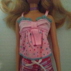 Barbie y Ken: PIJAMA CORTO SHORT BARBIE ( MUÑECA NO INCLUIDA ). Lote 194613451