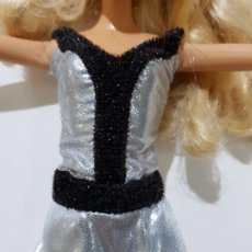 Barbie y Ken: VESTIDO BARBIE . Lote 194968183