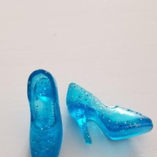 Barbie y Ken: ZAPATOS BARBIE PRINCESA FROZEN ELSA. Lote 195170742