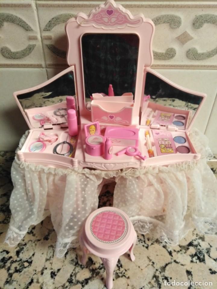 TOCADOR DESTELLOS DE BARBIE (Juguetes - Muñeca Extranjera Moderna - Barbie y Ken - Vestidos y Accesorios)