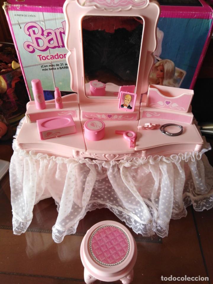 Barbie y Ken: Tocador destellos de Barbie - Foto 2 - 215901441
