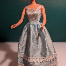 Barbie y Ken: VESTIDO BARBIE O SIMILAR AZUL. Lote 201678976