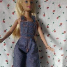 Barbie y Ken: ROPA BARBIE MONO TEJANO. Lote 203409876