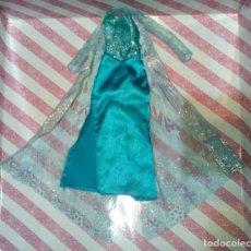 Barbie y Ken: PRECIOSO VESTIDO DE LA PRINCESA ELSA DE FROZEN - DISNEY STORE. Lote 204230600