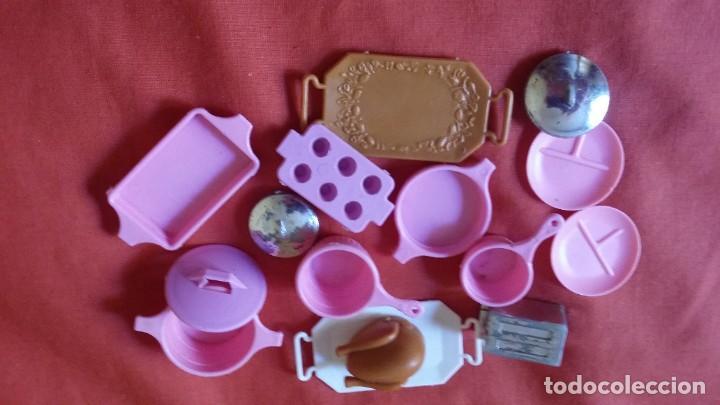 LOTE DE ACCESORIOS DE COCINA DE BARBIE (Juguetes - Muñeca Extranjera Moderna - Barbie y Ken - Vestidos y Accesorios)