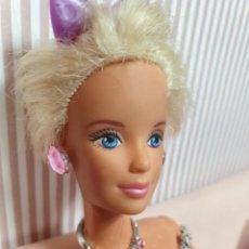Barbie y Ken: BARBIE O BLYTHE. MINIATURAS 1:6. COLLAR Y PENDIENTES . ROSA CUSTOM. Lote 206836292