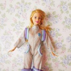 Barbie y Ken: ROPA ESPACIAL MONO Y BOTAS ASTRONAUTA PETO MUÑECA MANIQUÍ BARBIE. Lote 210381875