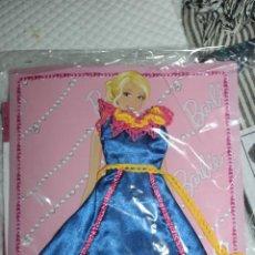 Barbie y Ken: NUEVO VESTIDO DE MUÑECA BARBIE EN BLISTER + REVISTA DE LA COLECCIÓN VESTIDO DO MUNDO. Lote 211421996