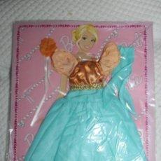 Barbie y Ken: NUEVO VESTIDO DE MUÑECA BARBIE EN BLISTER + REVISTA DE LA COLECCIÓN VESTIDO DO MUNDO. Lote 211422205