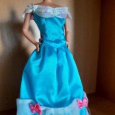 Barbie y Ken: VESTIDO BARBIE SISSY. Lote 212773693