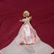 Barbie e Ken: BARBIE CON TRAJE ORIGINAL ROSA. Lote 213877106