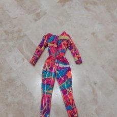 Barbie y Ken: VESTIDO BARBIE DE PATINADORA, AÑOS 80. Lote 217787913