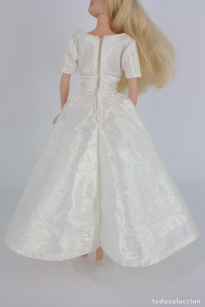 Barbie y Ken: Vestido blanco nacarado estilo novia sin marca válido para Barbie o similar - Foto 2 - 219137918