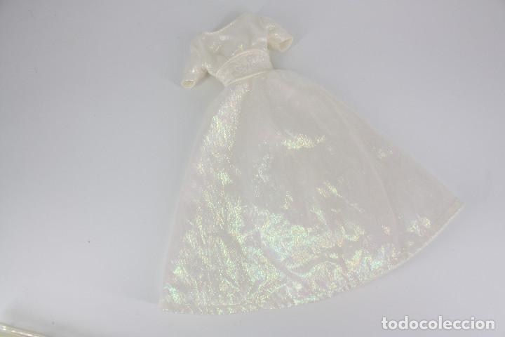 Barbie y Ken: Vestido blanco nacarado estilo novia sin marca válido para Barbie o similar - Foto 3 - 219137918