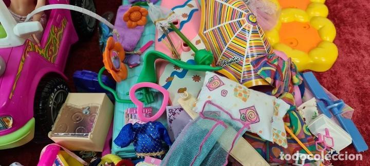 Barbie y Ken: COLECCION DE BARBIE. 6 MUÑECAS Y KENT. INFINIDAD DE ACCESORIOS. MATTEL. AÑOS 90. - Foto 12 - 221074396