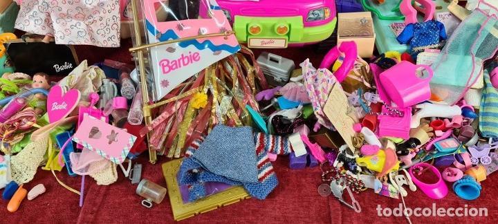 Barbie y Ken: COLECCION DE BARBIE. 6 MUÑECAS Y KENT. INFINIDAD DE ACCESORIOS. MATTEL. AÑOS 90. - Foto 13 - 221074396