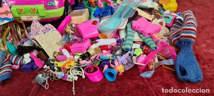 Barbie y Ken: COLECCION DE BARBIE. 6 MUÑECAS Y KENT. INFINIDAD DE ACCESORIOS. MATTEL. AÑOS 90. - Foto 18 - 221074396