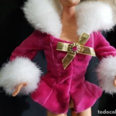 Barbie y Ken: CHAQUETA BARBIE WINTER RHAPSODY. Lote 221729787