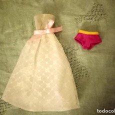Barbie y Ken: LOTE DE 2 PRENDAS PARA BARBIE VESTIDO Y BRAGUITA. Lote 221818421