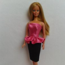 Barbie y Ken: CONJUNTO ESTILO AÑOS 80S 90S PARA BARBIE O MUÑECA SIMILAR. Lote 221835728