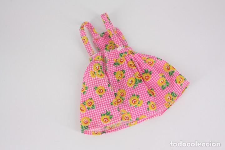 Barbie y Ken: Vestido rosa estampado de flores sin marca válido para muñeca Barbie o similar - Foto 4 - 222088905
