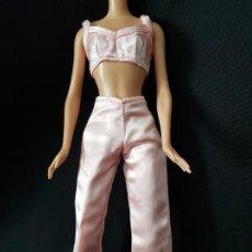 Barbie y Ken: CONJUNTO TOP Y PANTALON BARBIE. Lote 222537933
