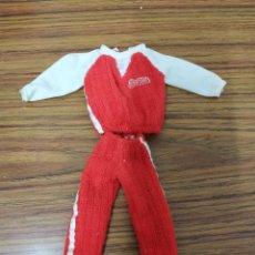 Barbie y Ken: CONJUNTO CHANDAL DEPORTE ROJO. ORIGINAL BARBIE. Lote 222558590