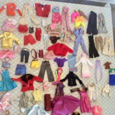 Barbie y Ken: LOTE DE ROPA BARBIE. Lote 222658391