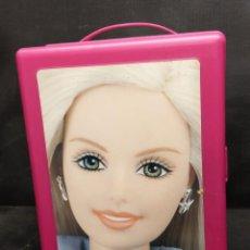 Barbie y Ken: MALETÍN PORTA BARBIES DE MATTEL AÑO 2001. Lote 222688261