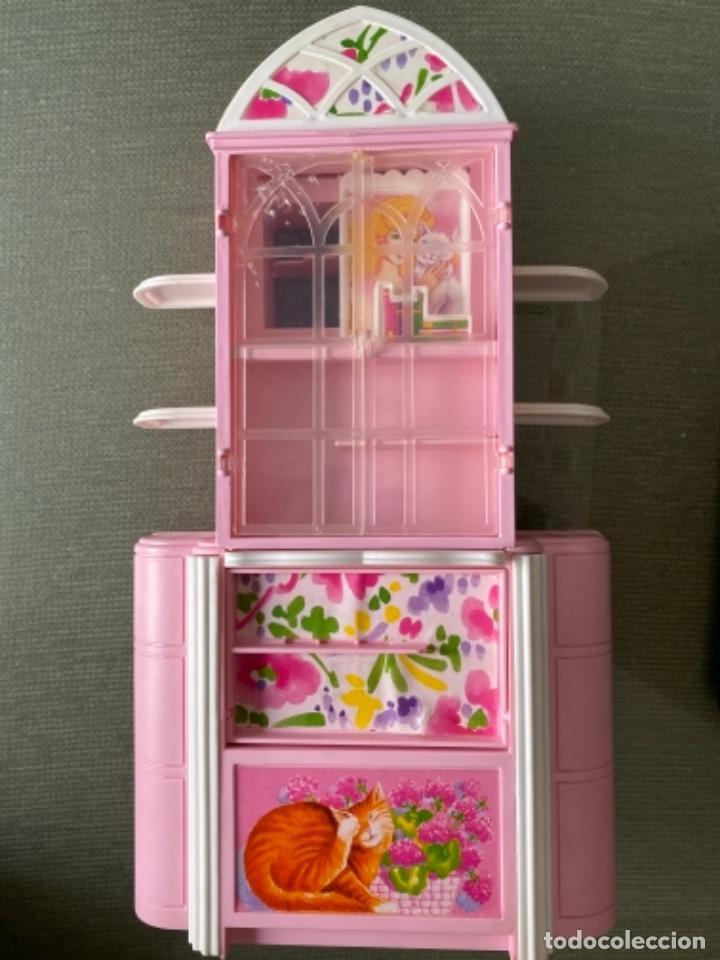 ANTIGUO MUEBLE DOS CARAS BARBIE FUNCIONANDO (Juguetes - Muñeca Extranjera Moderna - Barbie y Ken - Vestidos y Accesorios)