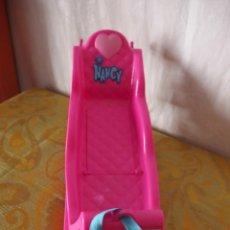 Barbie y Ken: TRINEO NANCY DE FAMOSA. Lote 228490320