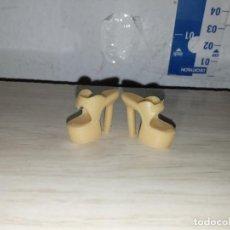 Barbie e Ken: ZAPATOS DE MUÑECA BARBIE. Lote 229995125