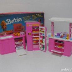 Barbie y Ken: BARBIE CONJUNTO DE COCINA, CAJA ORIGINAL, CASI COMPLETA, MATTEL AÑOS 80, MUY BUEN ESTADO. Lote 232796740