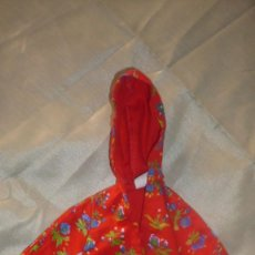 Barbie y Ken: CAZADORA BARBIE CON CAPUCHA. Lote 240720090