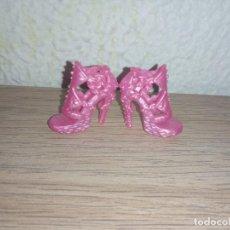 Barbie e Ken: ZAPATOS DE MUÑECA BARBIE. Lote 244939355
