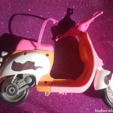 Barbie y Ken: MOTO MOTOCICLETA VESPA SCOOTER DE BARBIE KEN SKIPPER MATTEL ROSA Y NARANJA. Lote 246607565
