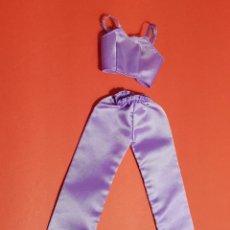 Barbie y Ken: TOP Y PIJAMA DEL CONJUNTO FASHION AVENUE DREAMIN' IN THE DAKOTA. Lote 247521390