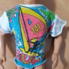 Barbie y Ken: CAMISETA KEN PAUL NOVIO DE SINDY. Lote 251431380