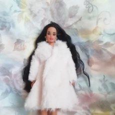 Barbie y Ken: PRECIOSO CONJUNTO DE ABRIGO Y ZAPATOS PARA BARBIE O MUÑECA SIMILAR. Lote 251988860