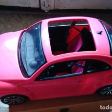Barbie y Ken: COCHE NEW BETTLE VOLKSWAGEN BARBIE ROSA. COMO NUEVO.. Lote 254543310