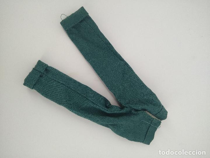 Barbie y Ken: Pantalón verde oscuro original Ken - Mattel, años 90 - Foto 2 - 256077340
