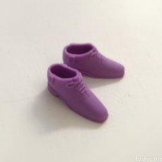 Barbie y Ken: BARBIE ZAPATOS PLANOS MORADOS. Lote 262343960