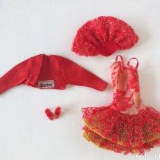 Barbie y Ken: BARBIE ALTA COSTURA VALERY CONJUNTO VESTIDO Y TORERA Y SOMBRERO ROJO SPAIN. Lote 262940955
