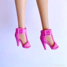 Barbie y Ken: ZAPATOS BARBIE. Lote 263016545