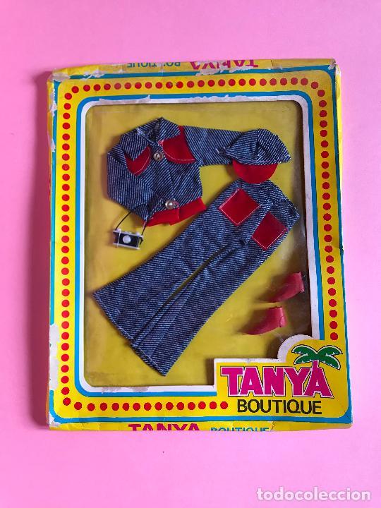 CONJUNTO DE TANYA ESTILO BARBIE AÑOS 70 (Juguetes - Muñeca Extranjera Moderna - Barbie y Ken - Vestidos y Accesorios)