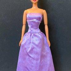 Barbie y Ken: VESTIDO LARGO BARBIE. Lote 269718353