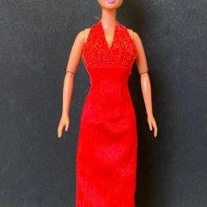Barbie y Ken: VESTIDO LARGO BARBIE. Lote 269718423