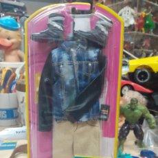 Barbie y Ken: BARBIE MATTEL 2002.BLISTER CON ROPA Y COMPLEMENTOS DE KEN.. Lote 274260788