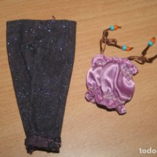 Barbie y Ken: ROPA MUÑECA BARBIE O BRATZ. Lote 277031478