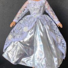 Barbie y Ken: VESTIDO LARGO BARBIE. Lote 277131073